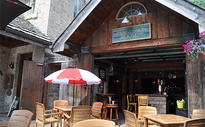 Historic Fergusson Gastro Pub with outdoor patio at the Breadalbane Inn